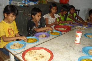orphan-01-05-2012-004